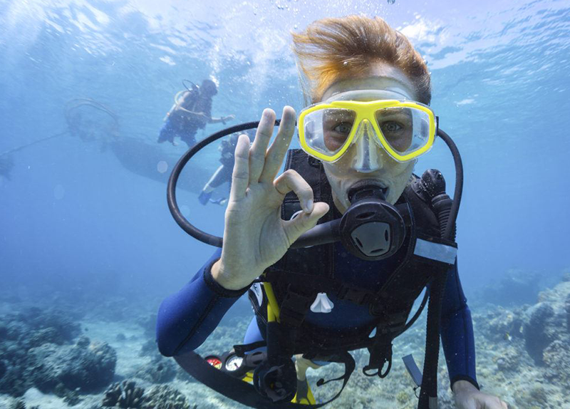Padi Open Water Course - giving the OK sign