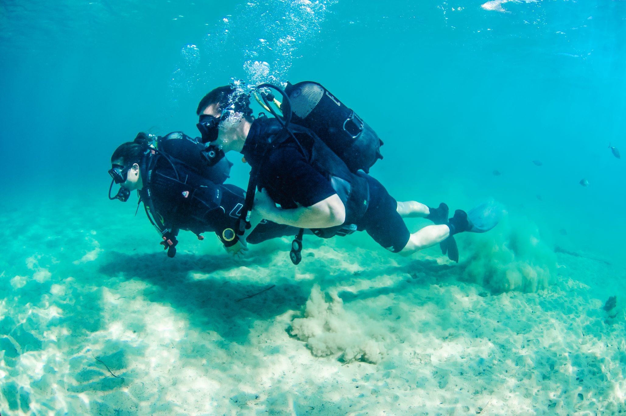 Honeymoon couple on PADI Open Water Course
