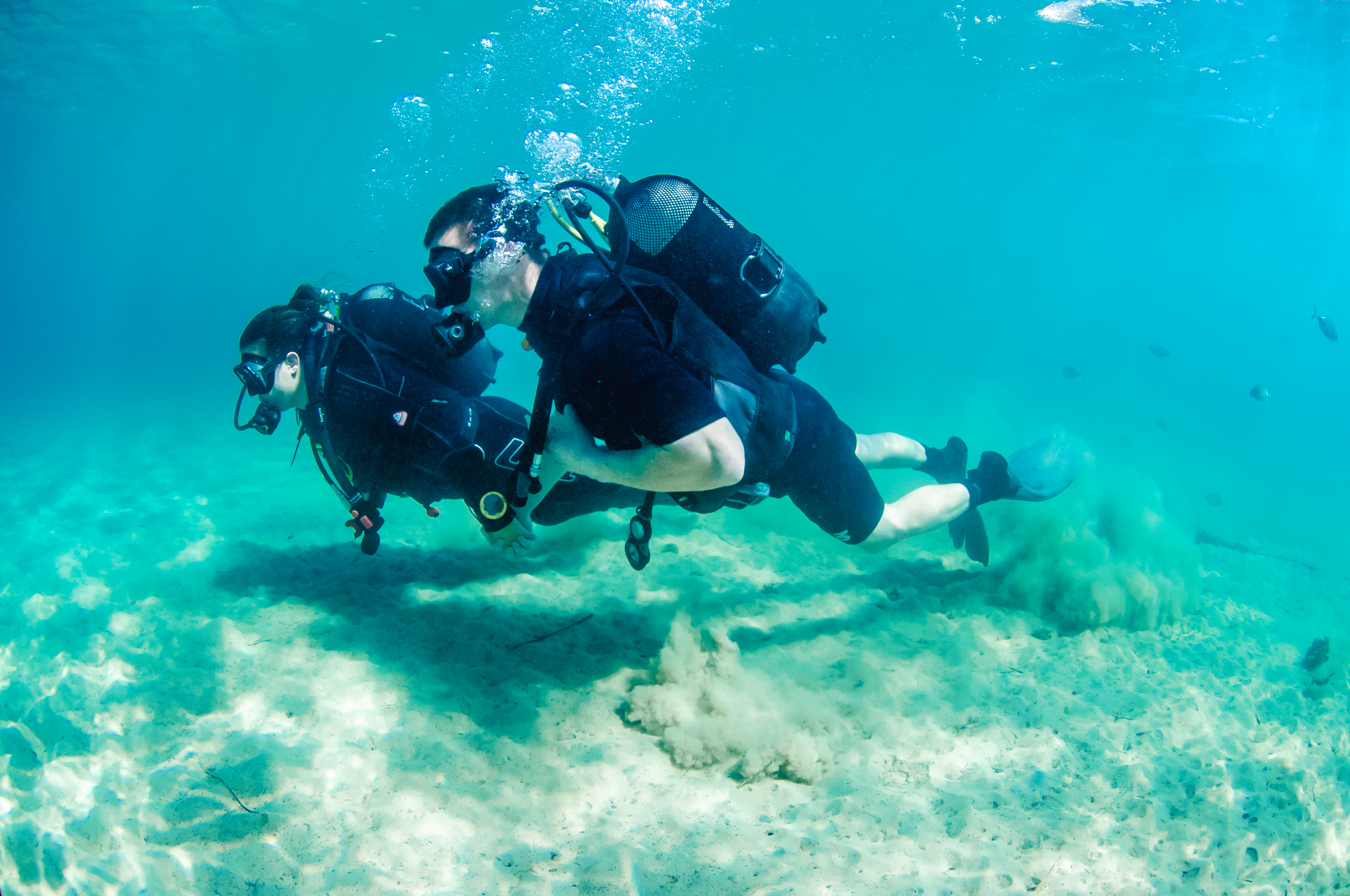 Honeymoon couple on PADI Open Water Course